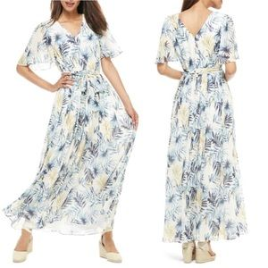 Gal Meets Glam Kiki Leaf Print Chiffon Maxi Dress